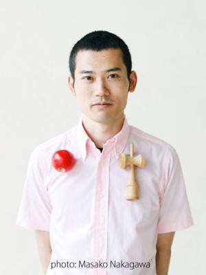 鈴木 康広 顔写真 photo:Masako Nakagawa